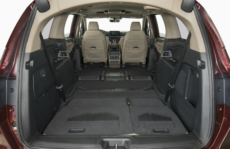2019 Honda Odyssey with trunk open & seats folded flat