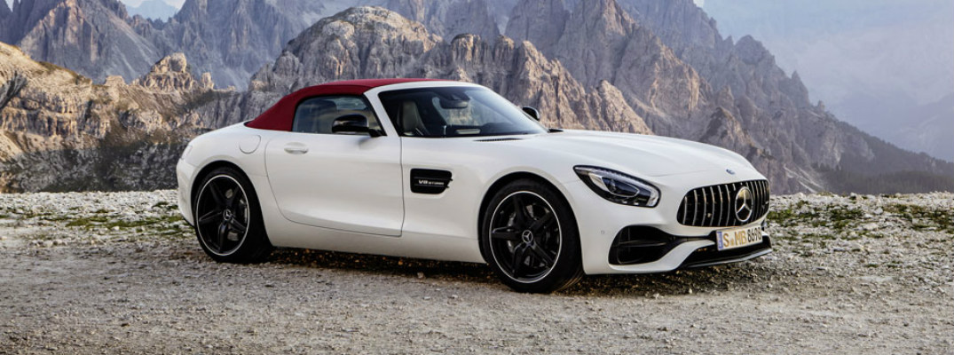What did mercedes benz present at the 2017 chicago auto show for Mercedes benz dealer chicago