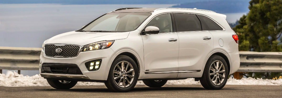 how much cargo volume is in the 2018 kia sorento. Black Bedroom Furniture Sets. Home Design Ideas