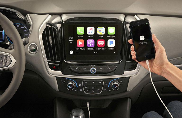 2018 Chevy Traverse Infotainment System Using Apple CarPlay™