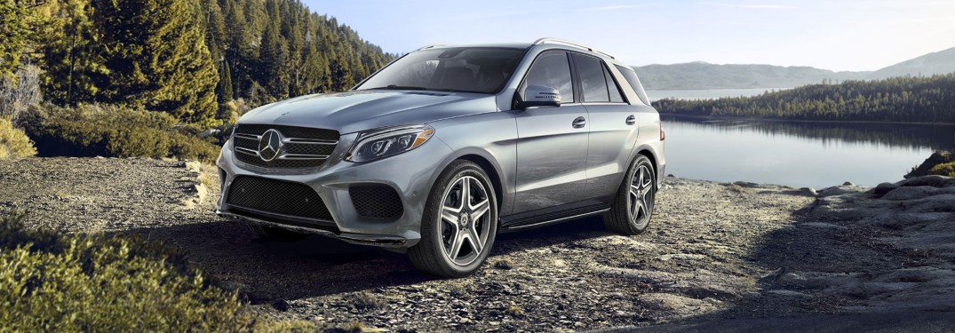 2019 Mercedes-Benz GLE parked in mountain valley