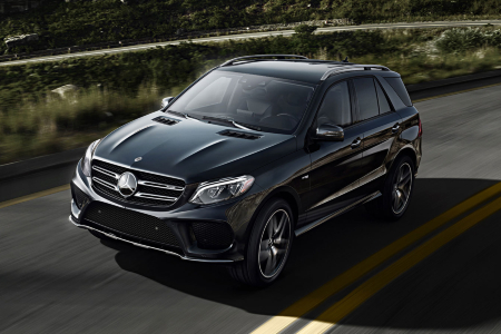Front overhead view of 2019 Mercedes-Benz GLE
