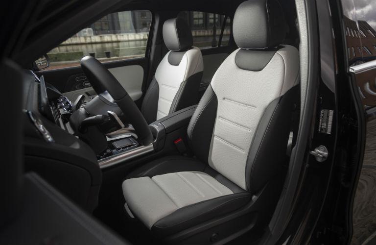 2021 Mercedes-Benz GLA front seats