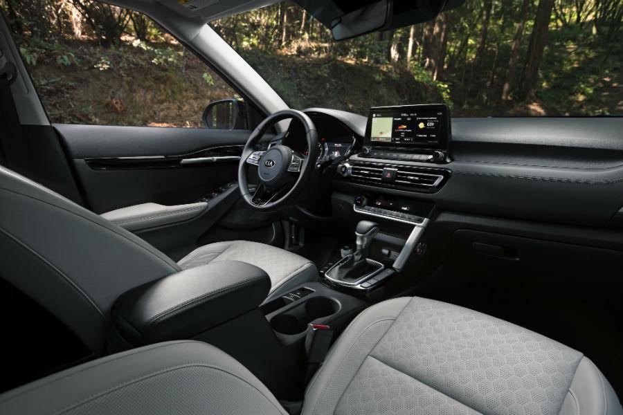 An interior photo of the dashboard in the 2021 Kia Seltos.