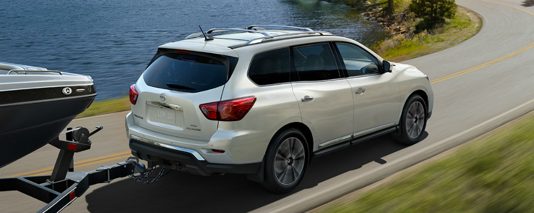 2017 Nissan Pathfinder provides both versatility and capability to drivers who want it all