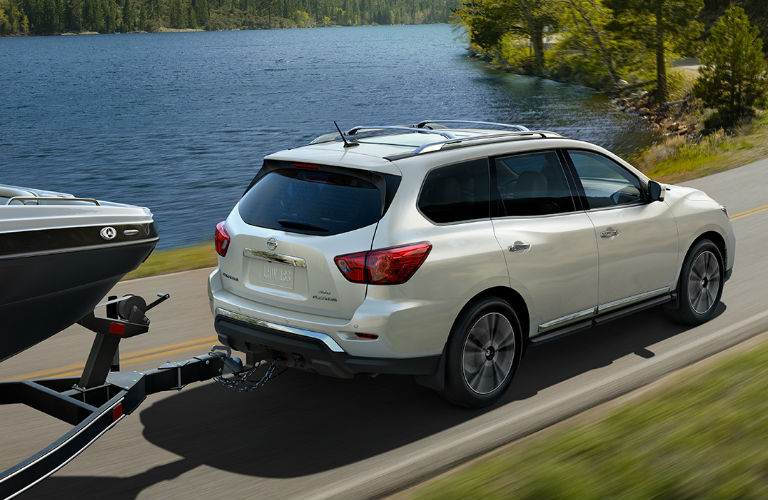 2018 Nissan Pathfinder towing a trailer