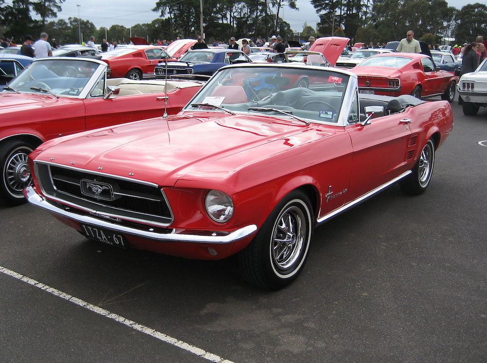 what car did Bill Clinton drive - 1967 Mustang Convertible