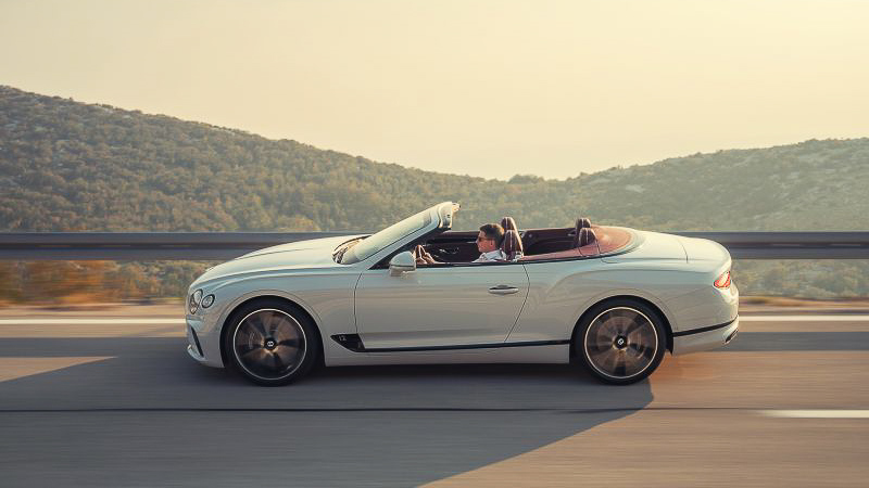 BEVERLY HILLS SHOWCASES NEW BENTLEY CONTINENTAL GT CONVERTIBLE - BENTLEY BEVERLY HILLS