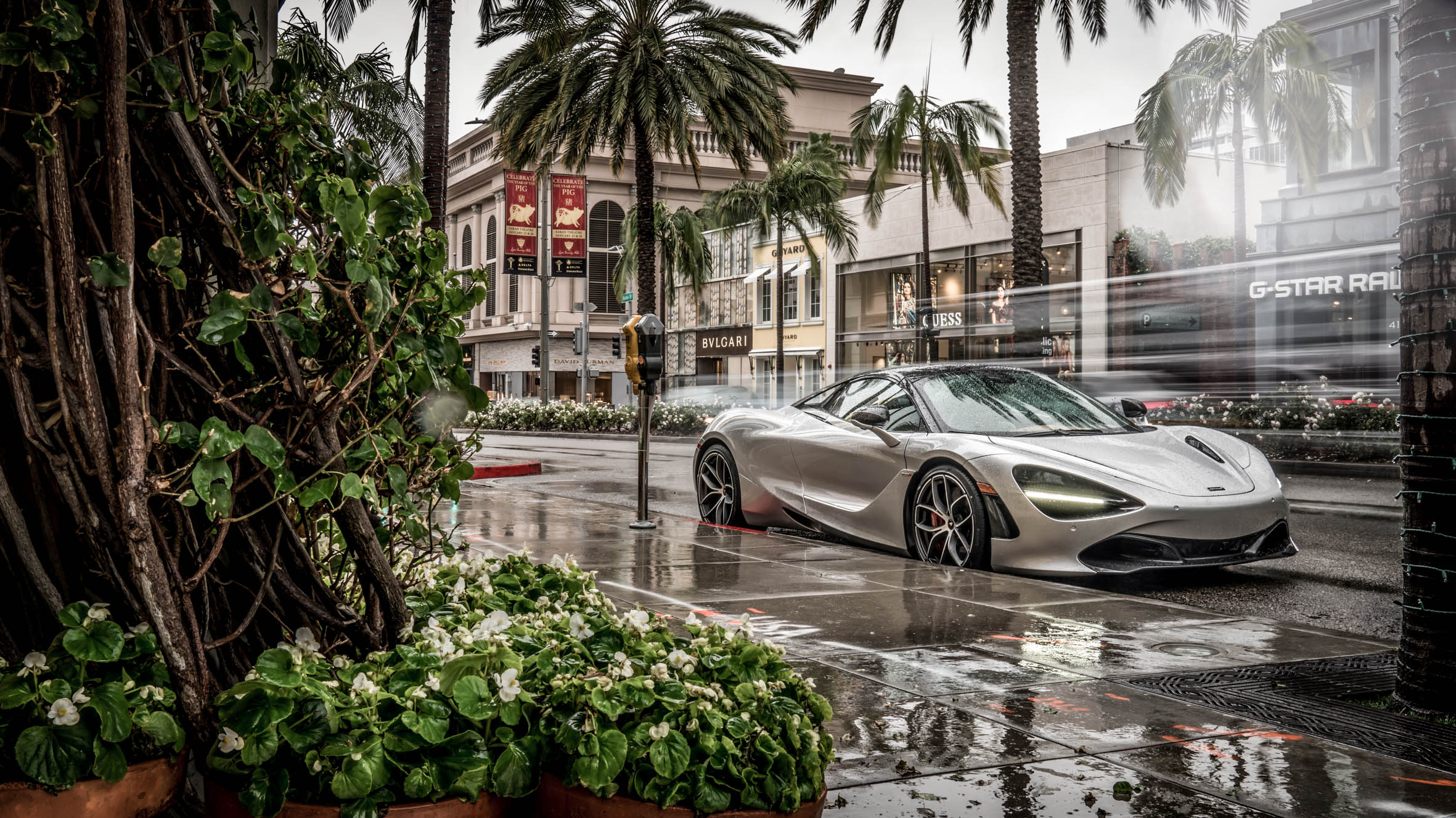 2019 MCLAREN 720S SPIDER ARRIVES AT MCLAREN BEVERLY HILLS