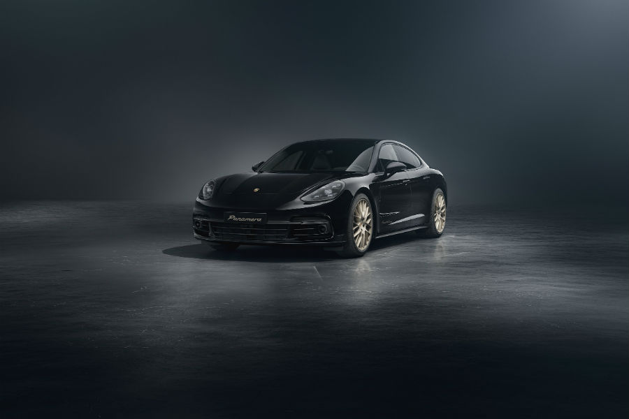 2020 Porsche Panamera 10 Year Edition Exterior Driver Side Front Profile