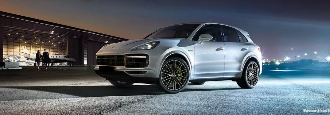 What are the Porsche Cayenne Models and Performance Features?