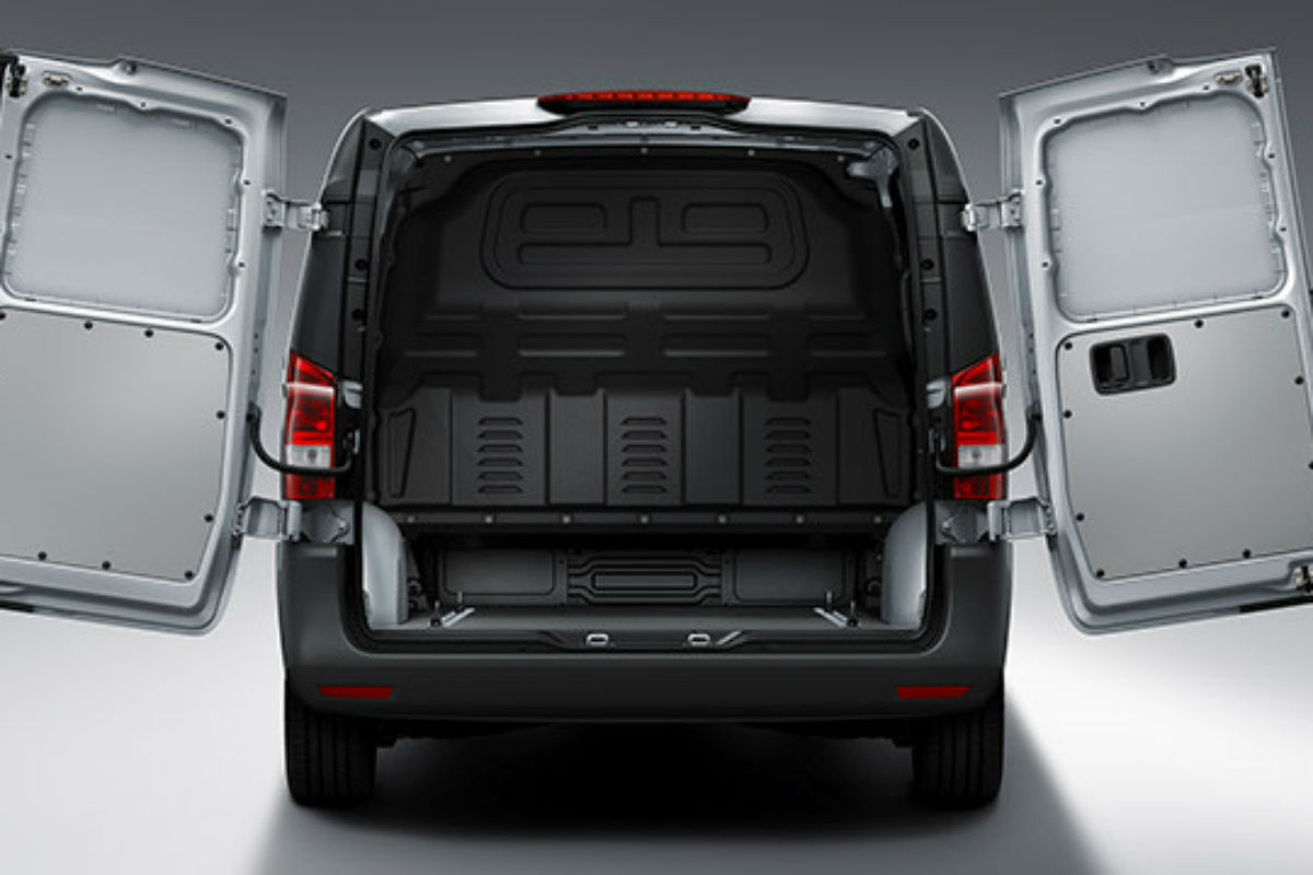 What is the cargo capacity of the 2018 mercedes benz for Mercedes benz metris towing capacity