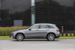 left side view of silver mercedes benz glc
