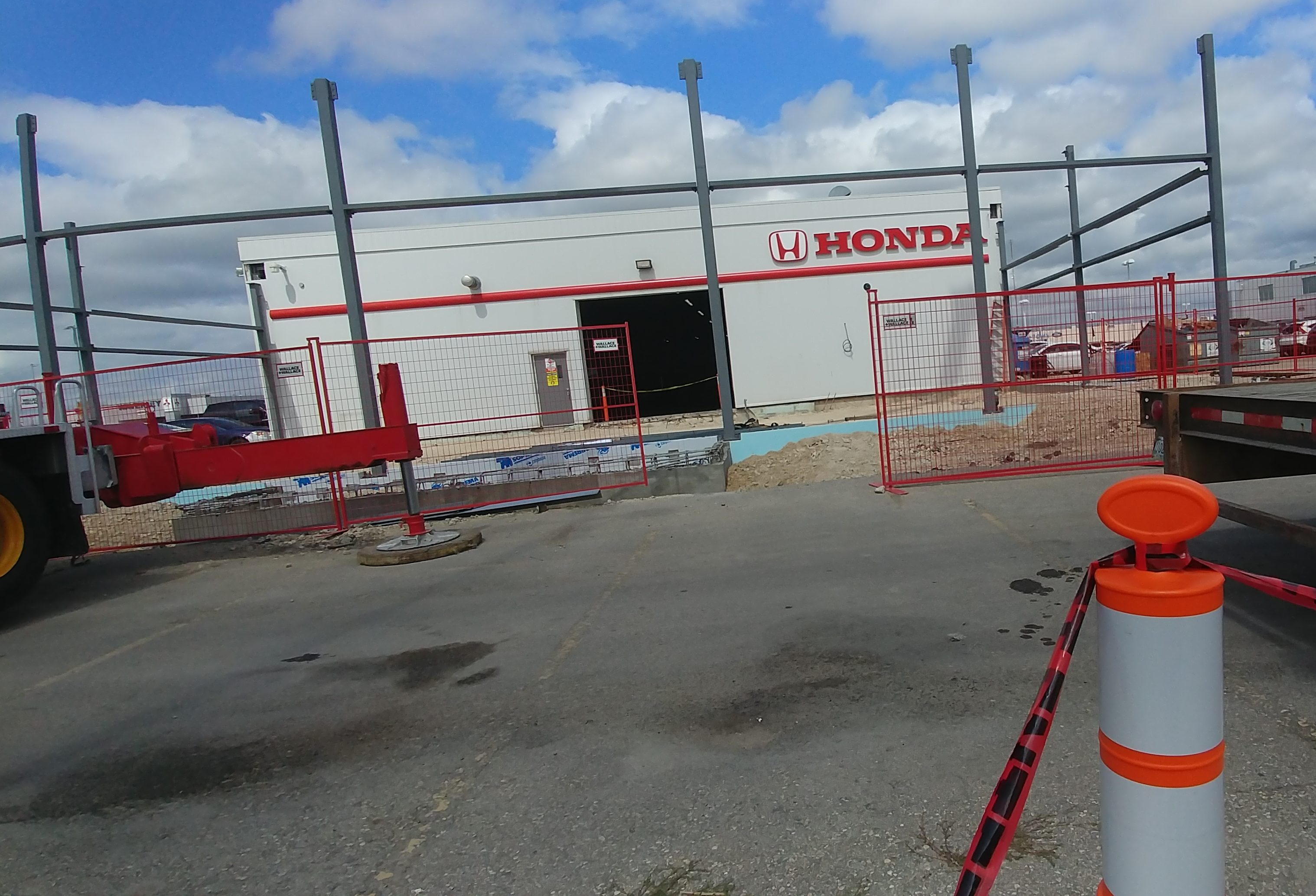 Honda Canada Has Ordered Winnipeg A Makeover Wash Bay Included On The West And South Sides Of Building Large Metal Poles Stick Out