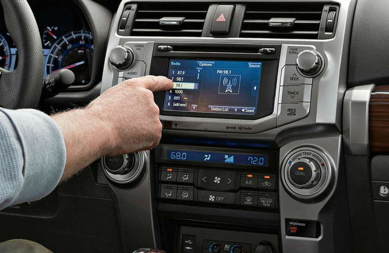 2018 Toyota 4Runner dash and touch screen