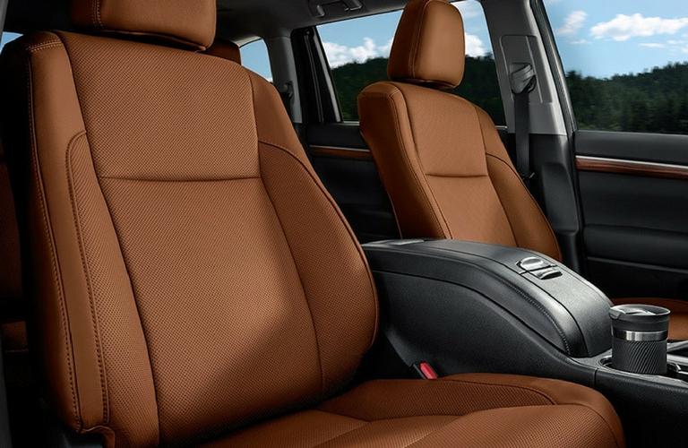 2018 Toyota Highlander Front Seats.