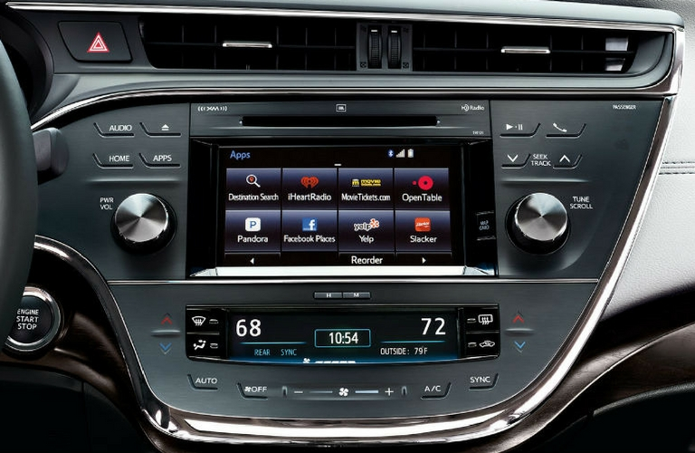 2018 Toyota Avalon touch screen and dash.