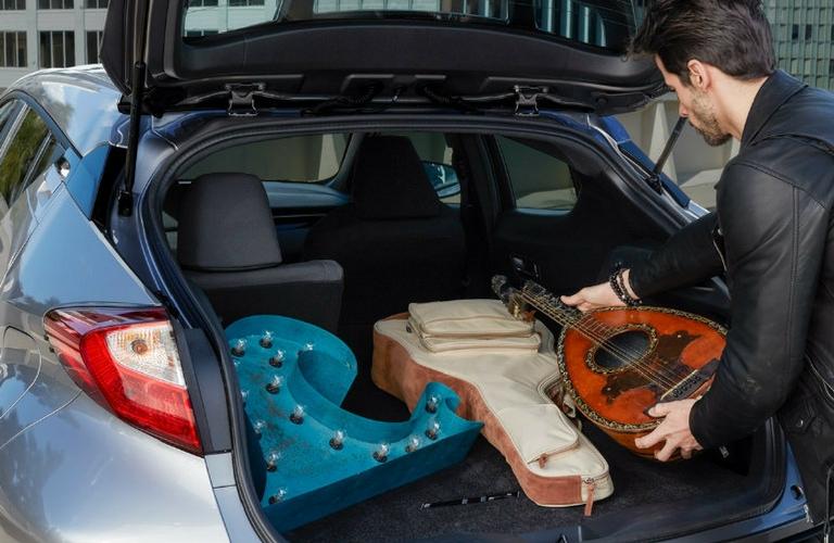 Toyota Oil Change Coupons >> 2018-Toyota-C-HR-cargo-space_o - Lexington Toyota