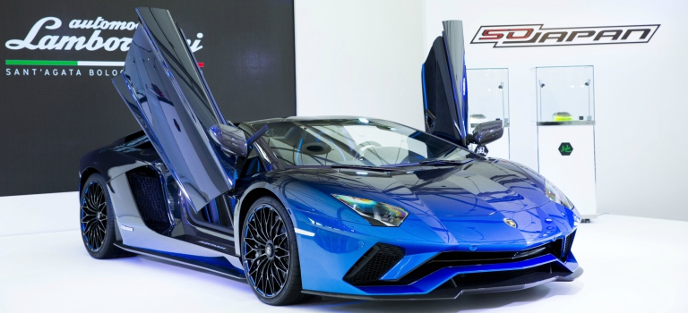 Lamborghini Aventador S blue side view with scissor doors open