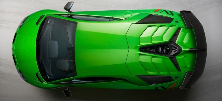 Lamborghini Aventador SVJ green top view