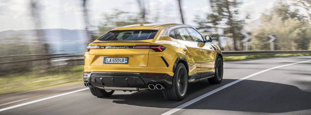 What driving assistance technologies does the 2019 Lamborghini Urus offer?