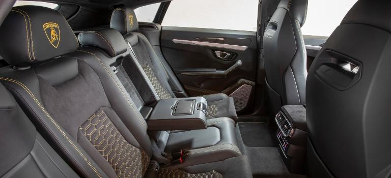 Lamborghini Urus black back seats