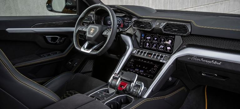 Lamborghini Urus black front seats