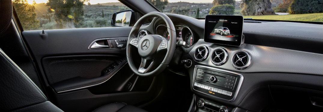 Front-row-of-seating-and-dashboard-of-2018-Mercedes-Benz-GLA