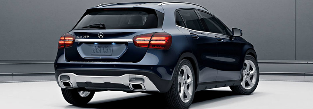 2018-Mercedes-Benz-GLA-SUV-from-rear