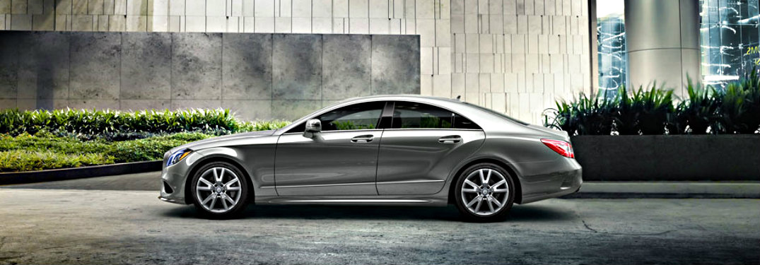 2018-Mercedes-Benz-CLS-parked-in-front-of-building