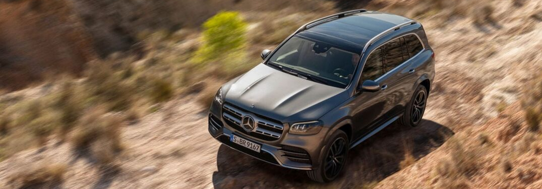 2020 Mercedes-Benz Driving on the dirt