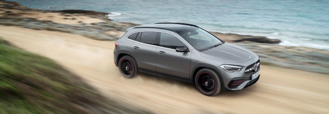 What kind of performance does the 2021 Mercedes-Benz GLA offer?