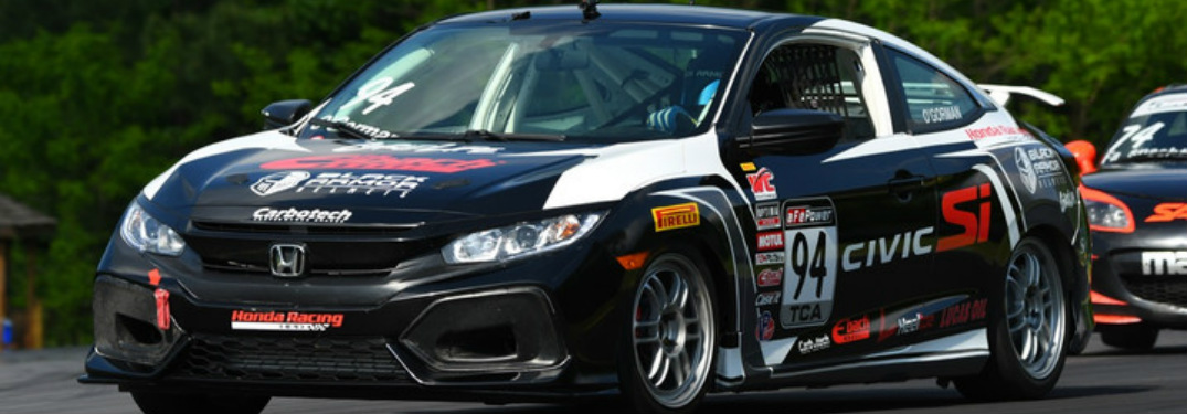 Can the 2017 Honda Civic Si Perform Well as a Race Car?
