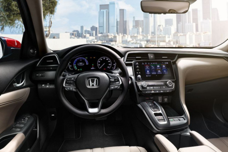Cockpit view in the 2019 Honda Insight