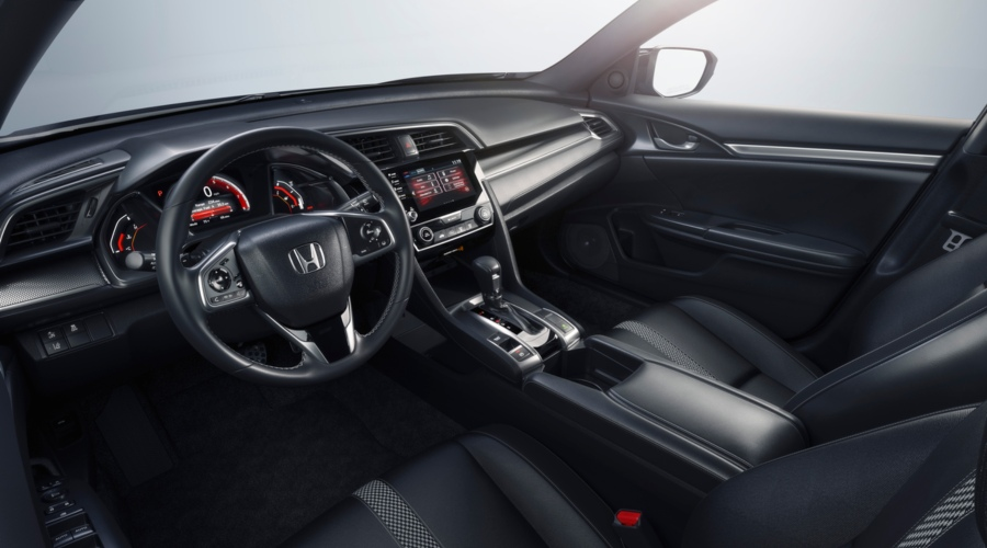 Cockpit view in the 2019 Honda Civic