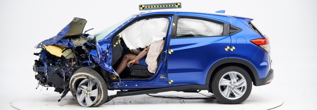 Side view of a crashed 2019 Honda HR-V