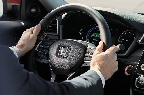 2020 Insight steering wheel and gauges