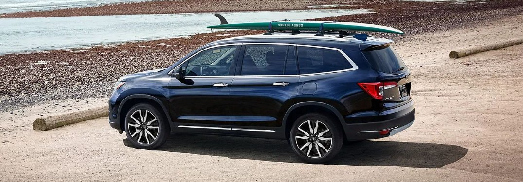 Which 2021 Honda SUVs have standard AWD?