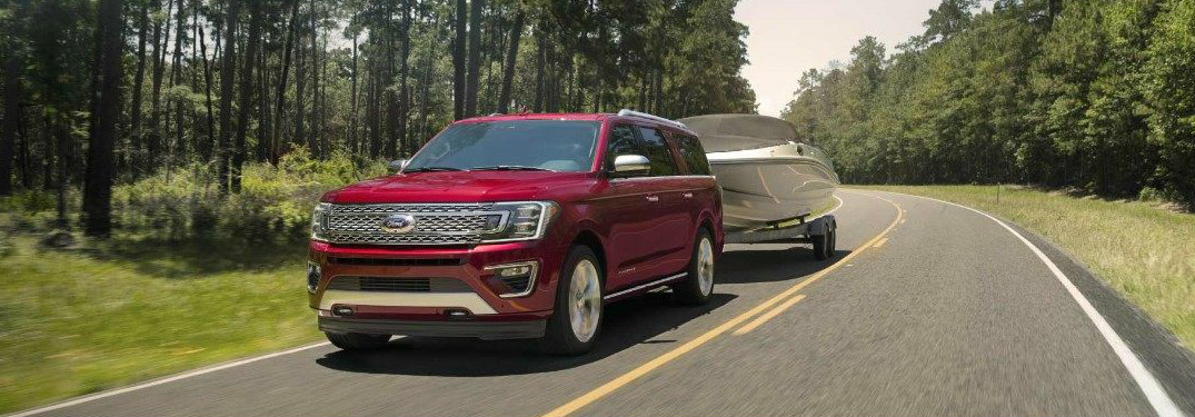 How much can the 2018 Ford Expedition tow?