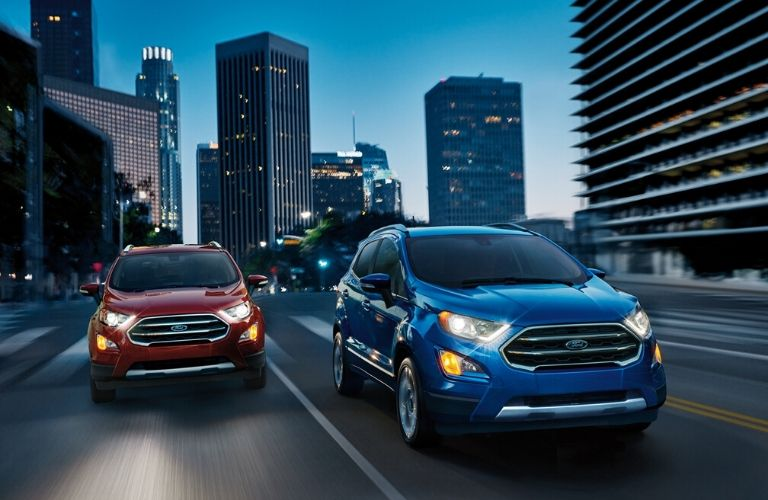 2020 Ford EcoSports driving together