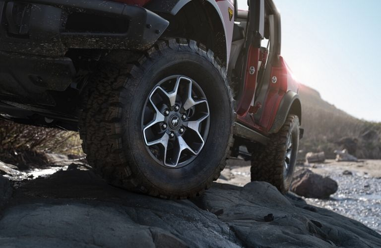 2021 Ford Bronco tire view