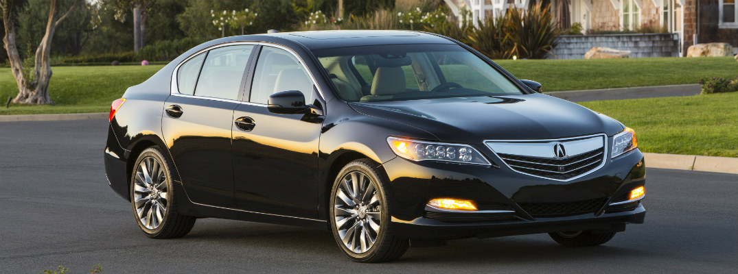 What packages are available in the 2017 Acura RLX?