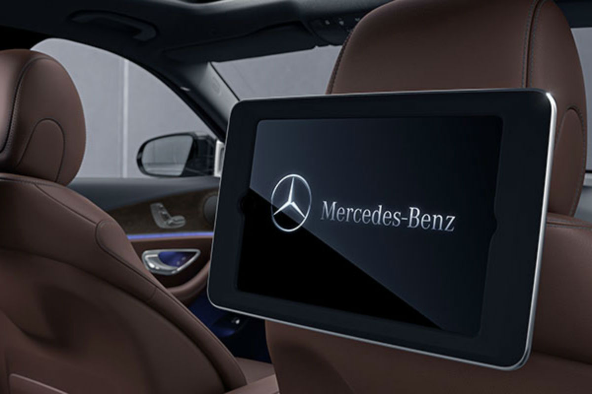 2018-E-SEDAN-int1_o - Mercedes-Benz of Gilbert