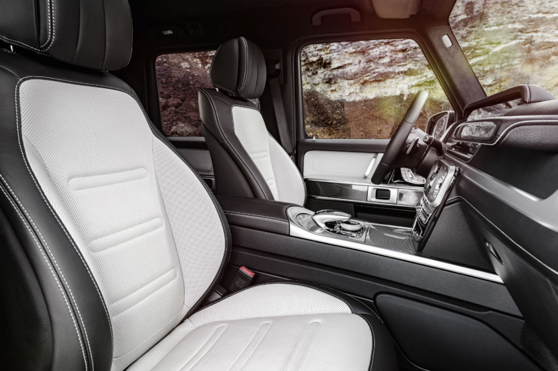 Side view of the 2019 Mercedes-Benz G-Class' front seats
