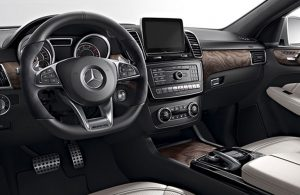 2019 MB GLE 400 front interior