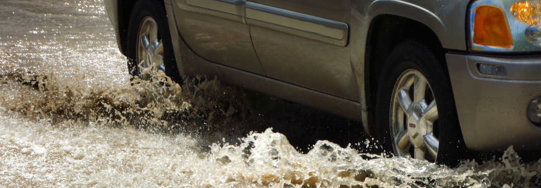 How to Stay Safe While Driving Through Summer Storms