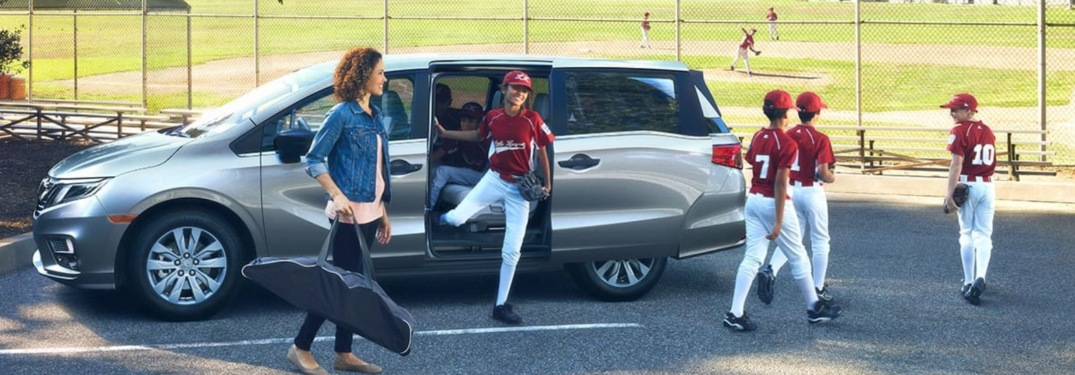 Baseball team exiting the 2019 Honda Odyssey