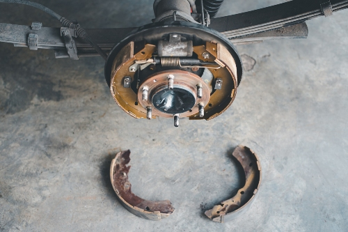 Dismantle rear brake drum