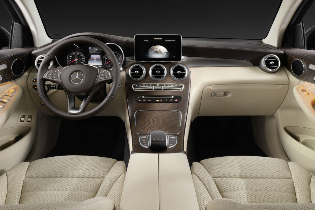 2017 Mercedes-Benz GLC front interior driver dash and passenger space_o - Star Motor Cars