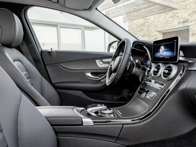 driver seat and steering wheel of the 2019 Mercedes-Benz C-Class
